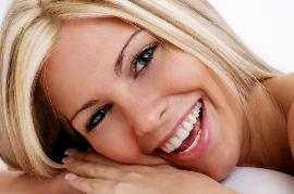 Attraktives Lächeln